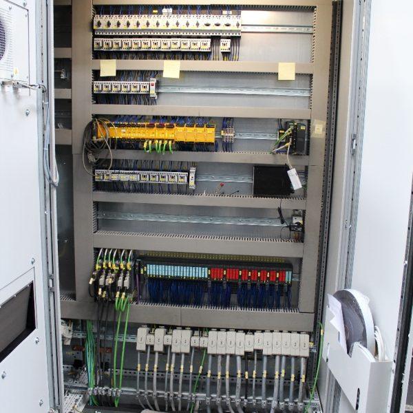 CNC Karusselldrehmaschine SCHIESS 16 DSC während der Überholung in der Werkshalle von Schiess Moweg GmbH neuer Schaltschrank Teil 3