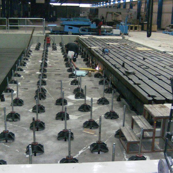 CNC PLattenbohrwerk SCHIESS 1 FB 180 während der Montage beim Kunden