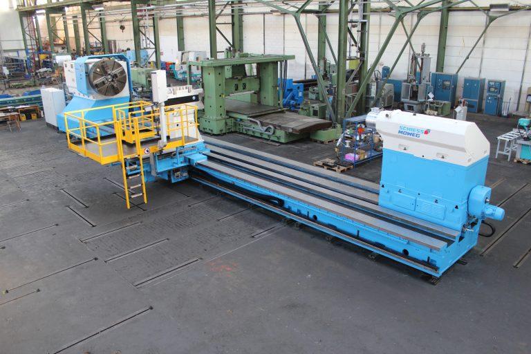 CNC-Schwerdrehmaschine-KRAMATORSK-während-der-Überholung-im-Lager-Schiess-Moweg-Abnahme